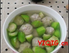清爽不油腻的丝瓜肉丸汤
