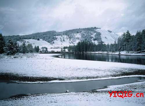 纯净的雪色足以净化心灵
