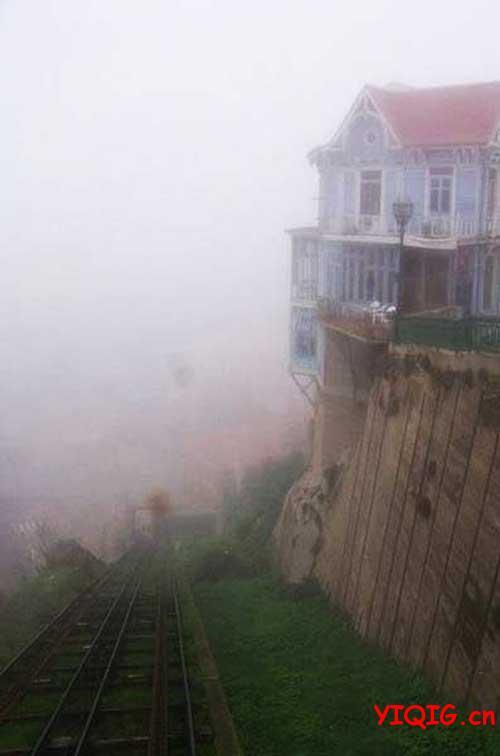 肝颤!悬崖边上的人类建筑
