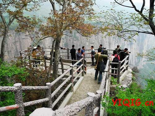 悬崖上的绝美村庄,我想去住住!