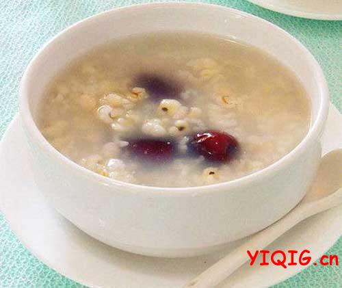 女人常吃薏米的美容效果 薏米美容食谱做法