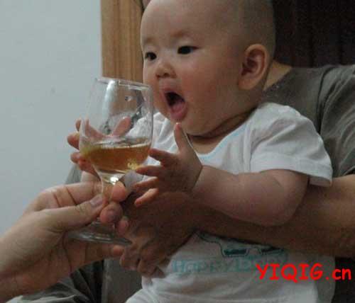 给宝宝喝这些东西,父母是在作死!